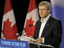 <p>Prime Minister Stephen Harper announces funding for the high-tech sector at the Alberta Centre for Advanced Microsystems and Nanotechnology Products (ACAMP) following a tour of their facilities in Edmonton October 8, 2010. REUTERS/Dan Riedlhuber</p>