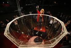 <p>Creator Nedar Farah pours wine into a wine glass in Beirut October 29, 2010. REUTERS/Jamal Saidi</p>