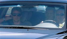 <p>O atual campeão de Fórmula 1 Jenson Button escapou ileso de uma tentativa de assalto armado enquanto deixava o circuito de Interlagos, em São Paulo, no sábado, de acordo com ele e sua equipe McLaren. REUTERS/Bruno Domingos</p>