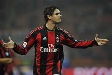 <p>Alexandre Pato, do Milan, comemora gol em vitória por 3 x 1 sobre o Palermo pelo Campeonato Italiano. REUTERS/Giorgio Perottino</p>