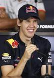 <p>Sebastian Vettel da Red Bull em coletiva de imprensa em Abu Dhabi. O piloto fez a volta mais rápida na pista em sentido anti-horário. 11/11/2010 REUTERS/Ahmed Jadallah</p>