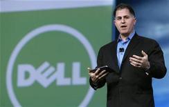<p>Foto de archivo del fundador y director ejecutivo de Dell, Michael Dell, durante la cumbre tecnológica Oracle Open World realizada en San Francisco, EEUU, sep 22 2010. Dell Inc reportó el jueves ganancias y márgenes mejores a los esperados y elevó su previsión anual de utilidad, pese a que las ventas estuvieron bajo los pronósticos de Wall Street aún con una sólida demanda de las grandes corporaciones. REUTERS/Robert Galbraith</p>