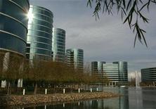 <p>Imagen de archivo de unas oficinas de Oracle en Redwood, California. Feb 2 2010 Una multa récord de 1.300 millones de dólares aplicada a SAP por descargar ilegalmente software de su rival Oracle opacó la reputación de la firma alemana y minaría sus ventas y rentabilidad en Estados Unidos. REUTERS/Robert Galbraith/ARCHIVO</p>