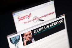 <p>Информация о блокировании сайта wikileaks.com на мониторе ПК, 4 декабря 2010 года. ВВС США блокировали сотрудникам доступ к сайтам СМИ, публикующим материалы WikiLeaks, в числе которых газеты New York Times и Guardian. REUTERS/Valentin Flauraud</p>