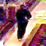 <p>Сделанная камерой слежения фотография мужчины, ограбившего казино Bellagio в Лас-Вегасе 14 декабря 2010 года. Вооруженный мужчина ограбил казино Bellagio в Лас-Вегасе на $1,5 миллиона, сообщила местная полиция. REUTERS/Las Vegas Police Department/Handout</p>