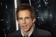 """<p>Foto de archivo del actor Ben Stiller durante el estreno de la cinta """"Little Fockers"""" en Nueva York, dic 15 2010. El nuevo ganador de la taquilla norteamericana """"Little Fockers"""" lideró estrechamente el campo internacional el fin de semana, mientras la ola polar azotó las ventas en Europa, que representa cerca de la mitad de los ingresos por boletería en el extranjero. REUTERS/Lucas Jackson</p>"""
