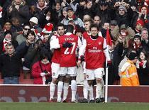 <p>Cesc Fabregas, do Arsenal, comemora gol na vitória por 2 x 1 sobre o Huddersfield pela Copa da Inglaterra. REUTERS/Suzanne Plunkett</p>