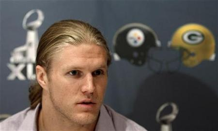 Green Bay Packers linebacker Clay Matthews talks to the media during his first news conference since arriving for Super Bowl XLV at the team hotel in Irving, Texas January 31, 2011. The Packers will play the Pittsburgh Steelers in the NFL's Super Bowl on February 6. REUTERS/Jeff Haynes
