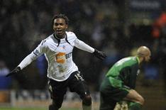 <p>O atacante Daniel Sturridge, do Bolton Wanderer's celebra seu gol contra o Everton durante o Campeonato Inglês em Bolton, norte da Inglaterra em 13 de fevereiro de 2011. REUTERS/Nigel Roddis</p>