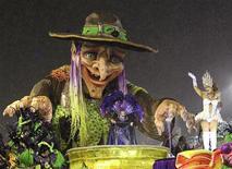 <p>Grande Rio se apresenta na segunda noite de desfiles no sambódromo do Rio de Janeiro. 07/03/2011 REUTERS/Sergio Moraes</p>