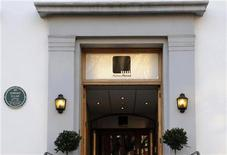 <p>Entrada do estúdio Abbey Road, no norte de Londres, em fevereiro de 2010. Com o concurso, o estúdio visa escolher um hino global para comemorar seu 80o aniversário. 17/02/2010 REUTERS/Jas Lehal</p>