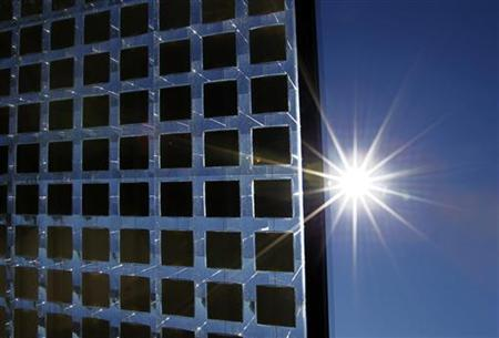A prototype sun tracking solar panel made by Concentrix Solar collects energy from its location at the University of California San Diego February 10, 2011. REUTERS/Mike Blake