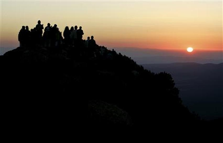 Bulgarian monk rekindles occult debate - Reuters