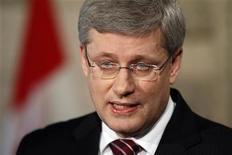 <p>Canada's Prime Minister Stephen Harper speaks following a non-confidence vote in the House of Commons on Parliament Hill in Ottawa March 25, 2011. REUTERS/Blair Gable</p>