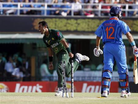 Yuvraj vs Riaz during the 2011 ICC WC match. Image courtesy: Reuters