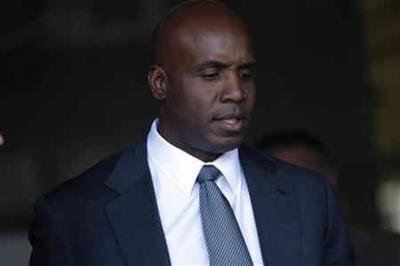 Former San Francisco Giants baseball player Barry Bonds leaves the federal courthouse after his criminal trial at Phillip Burton Federal Building in San Francisco, California March 29, 2011. REUTERS/Stephen Lam