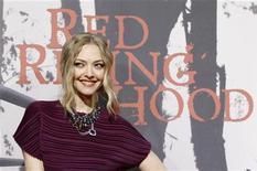 """<p>Amanda Seyfried na estreia de """"A Garota da Capa Vermelha"""" em Hollywood. 07/03/2011 REUTERS/Mario Anzuoni</p>"""
