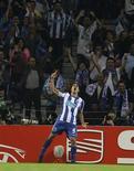 <p>O atacante colombiano Falcão comemora gol do Porto contra o Villarreal pela semifinal da Liga Europa. 28/04/2011 REUTERS/Miguel Vidal</p>