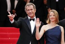 """<p>Cast member Mel Gibson and director and cast member Jodie Foster arrive on the red carpet for the screening of the film """"The Beaver"""" at the 64th Cannes Film Festival, May 17, 2011. REUTERS/Vincent Kessler</p>"""