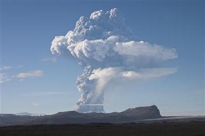 Europe on alert for Icelandic volcano ash cloud