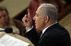 <p>Премьер-министр Израиля Биньямин Нетаньяху выступает в Конгрессе США, 24 мая 2011 года. Израильский премьер-министр Биньямин Нетаньяху во вторник впервые открыто заявил, что готов пожертвовать некоторыми поселениями на Западном берегу реки Иордан ради достижения мира с Палестиной. REUTERS/Molly Riley</p>