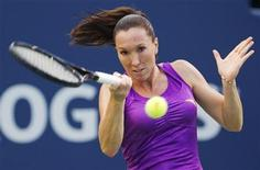 <p>Jelena Jankovic of Serbia returns a shot to Julia Goerges of Germany during their match at the Rogers Cup women's tennis tournament in Toronto, August 8, 2011. REUTERS/Mark Blinch</p>