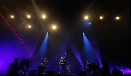 Coldplay's new Mylo Xyloto album gets October release | Reuters com