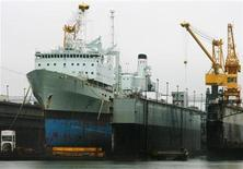 <p>The 40-year-old supply ship HMCS Preserve sits in a dry dock at the Halifax Shipyard during a scheduled refit in Halifax, Nova Scotia, July 14, 2010. REUTERS/Paul Darrow</p>