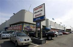 <p>A General Motors dealership is seen in Montreal May 20, 2009. REUTERS/Christinne Muschi</p>
