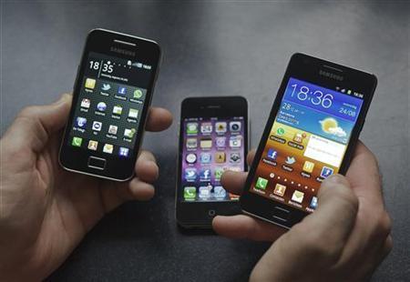 Insight: Jobs exit opens door for nimble Apple rivals