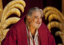 <p>Placido Domingo bows during the curtain call of Placido Domingo Celebration at the Royal Opera House after a special performance to celebrate his 40th anniversary with the Royal Opera in London October 27, 2011. REUTERS/Olivia Harris</p>