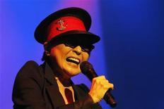 <p>Yoko Ono, widow of Beatles lead singer John Lennon, performs in Reykjavik October 9, 2010. REUTERS/ Ingolfur Juliusson</p>