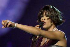 <p>Whitney Houston performs before winning for Best Female R&B Vocal Performance at the 42nd annual Grammy Awards, in this file photo taken February 23, 2000. REUTERS/Gary Hershorn/Files</p>