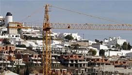 <p>Site de construction à Gale, dans le sud du Portugal. Selon Olli Rehn, commissaire aux Affaires économiques et monétaires, l'Europe est prête à soutenir le Portugal dans la mise en oeuvre des réformes économiques nécessaires pour le pays. /Photo prise le 6 mars 2012/REUTERS/Jose Manuel Ribeiro</p>