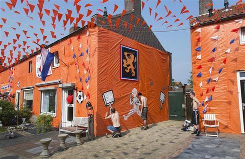 Painting the streets orange
