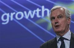 <p>Selon le commissaire européen au Marché intérieur Michel Barnier, des réformes très importantes sont nécessaires pour renforcer le système bancaire européen et éviter d'avoir à recourir à des sauvetages financés par les contribuables. /Photo prise le 27 février 2012/REUTERS/Yves Herman</p>