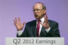 <p>Ben Verwaayen, directeur général d'Alcatel-Lucent. L'équipementier télécoms Alcatel-Lucent va supprimer 5.000 emplois dans le monde d'ici fin 2013 dans le cadre d'un nouveau programme de restructuration qui doit lui permettre de réduire ses coûts de 1,25 milliard d'euros, soit 750 millions de plus que prévu initialement. /Photo prise le 26 juillet 2012/REUTERS/Charles Platiau</p>