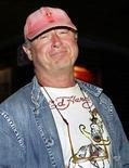 """<p>Imagen de archivo del director de cine de origen británico Tony Scott durante una conferencia de prensa durante la producción de """"Deja Vu"""" en Nueva Orleans, feb 2 2006. El director de cine de origen británico Tony Scott, director de éxitos como """"Top Gun"""" y """"Crimson Tide"""", murió al lanzarse desde un puente el domingo en Los Angeles, informó la oficina del forense del condado de Los Angeles. REUTERS/Lee Celano</p>"""