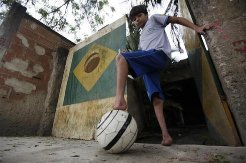 Footless soccer player