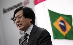<p>El CEO de Lenovo Yang Yuanqing el miércoles en una rueda de prensa en Sao Paulo. Sep 5, 2012. REUTERS/Nacho Doce</p>