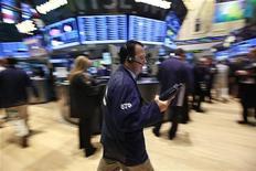<p>Après la frénésie provoquée par l'annonce la semaine dernière d'un plan d'achats de la Fed de 40 milliards de dollars d'actifs par mois, les marchés américains devraient être plus sobres cette semaine, les investisseurs cherchant à se faire une idée de l'impact à long terme des mesures, et de l'évolution du reste de l'année. /Photo d'archives/REUTERS/Brendan McDermid</p>