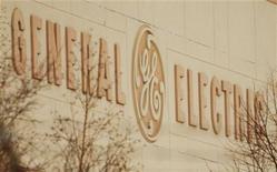 <p>General Electric a mandaté Morgan Stanley pour étudier ses options concernant sa participation de 33% dans le groupe thaïlandais Bank of Ayudhya, valorisée près de 2,2 milliards de dollars, a-t-on appris de sources proches du dossier. /Photo d'archives/REUTERS/Brian Snyder</p>