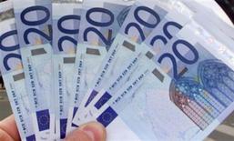 <p>L'Allemagne, les Pays-Bas et la Finlande ont publié un communiqué commun semblant revenir sur l'essentiel de ce qui avait été convenu lors du sommet européen de juin en matière de recapitalisation directe des banques en difficulté. /Photo d'archives/REUTERS</p>