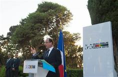 <p>Réunis vendredi à La Valette pour un sommet auquel participaient aussi des pays d'Afrique du Nord, les dirigeants de France, Malte, Espagne, Italie et Portugal ont prôné la création d'une autorité bancaire unique européenne d'ici la fin de l'année de façon à ce qu'elle soit opérationnelle en janvier 2013. /Photo prise le 5 octobre 2012/REUTERS/Bertrand Langlois/Pool</p>