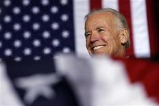 <p>El vicepresidente de Estados Unidos, Joe Biden, durante una parada durante su campaña en Virginia, nov 5 2012. Cuando Barack Obama reclutó a Joe Biden como su compañero de fórmula en el 2008, algunos colaboradores eran escépticos sobre la elección del veterano demócrata conocido por decir siempre lo que piensa, a pesar de las consecuencias. REUTERS/Kevin Lamarque</p>