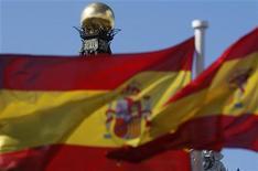 <p>L'économie espagnole s'est contractée de 0,3% au troisième trimestre par rapport au précédent, un chiffre conforme aux attentes, après une baisse de 0,4% au deuxième trimestre. /Photo prise le 24 septembre 2012/REUTERS/Sergio Perez</p>