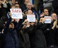<p>Pour son premier match en tant qu'entraîneur de Chelsea, Rafael Benitez a vu son équipe concéder un match nul dimanche face à Manchester City (0-0) mais l'Espagnol a surtout été conspué par le public de Stamford Bridge, nostalgique de son prédécesseur Roberto Di Matteo, limogé mercredi. /Photo prise le 25 novembre 2012/REUTERS/Russell Cheyne</p>