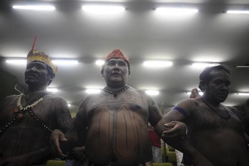 Amazon Indians protest violations