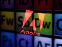Adobe, l'éditeur des logiciels Acrobat et Photoshop, a publié mardi des résultats meilleurs qu'attendu, soutenus par une forte demande pour ses produts Creative Cloud et par ses programmes de marketing numérique. En après-Bourse, le titre avançait de 1%. /Photo d'archives/REUTERS/Dado Ruvic