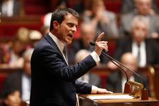 """Manuel Valls a détaillé mardi, lors de sa déclaration de politique générale à l'Assemblée nationale, un """"pacte de responsabilité et de solidarité"""" à plus de 43,5 milliards d'euros sur trois ans en faveur des entreprises et, dans une moindre mesure, des ménages modestes, sans vraiment dire comment il serait financé. /Photo prise le 8 avirl 2014/REUTERS/Charles Platiau"""